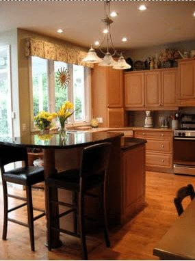 Cozy kitchen with breakfast bar